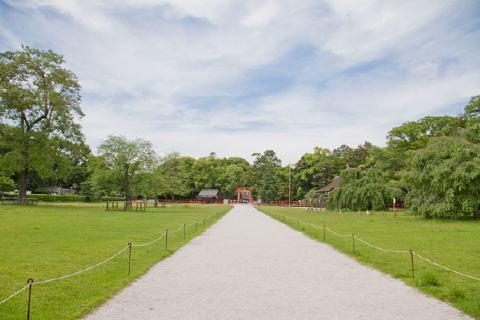 上賀茂神社の広い門前