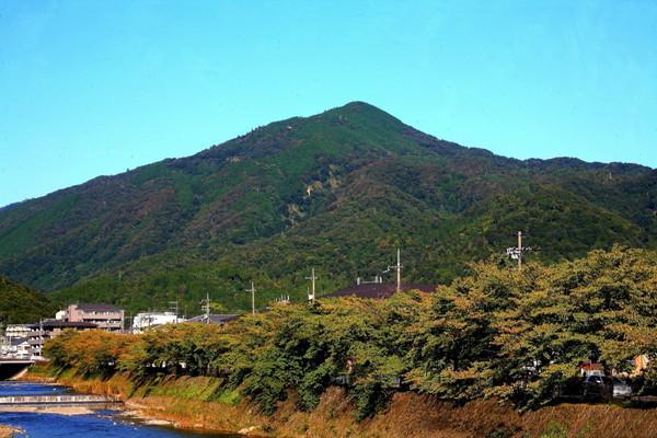 京都側から見た比叡山