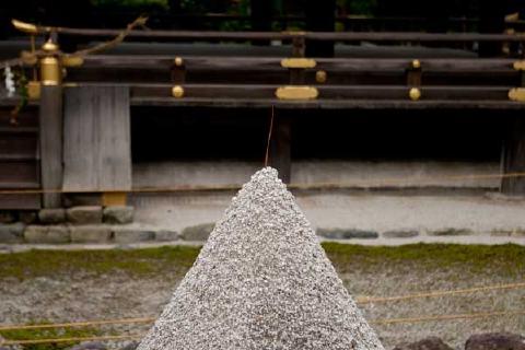 立砂のアップ