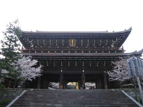 知恩院の三門