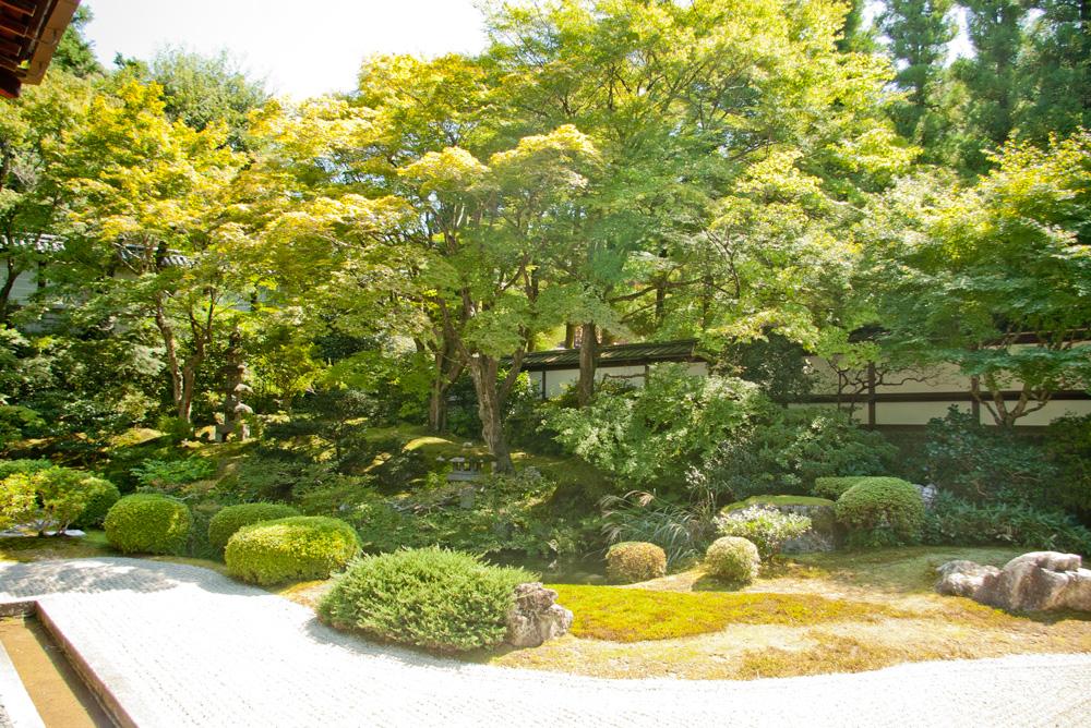 御座所庭園
